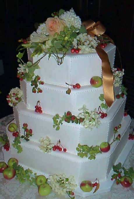 Wedding Cake with Apples
