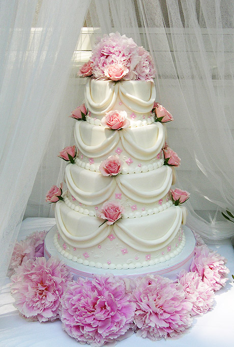 Wedding Cake with Delicate Pink Appliqué